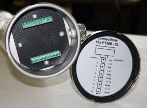 Grote sensor met 10 PT500 elementen verdeeld over lengte.